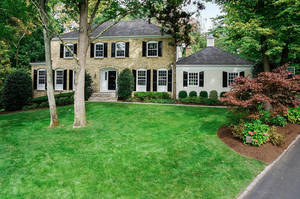 21 Kenneth Ct, Summit NJ: $1,525,000