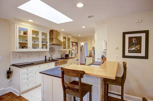 27_ColonyDr_kitchen-2_web.jpg