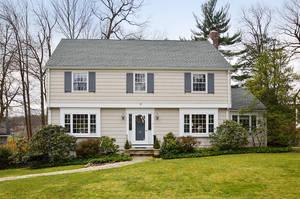 4 Manor Hill Road, Summit NJ: $1,399,00