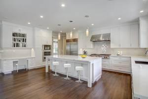 10 - Gourmet Kitchen (3 of 4).jpg