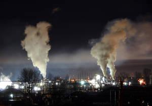 Carousel image ddf196fb595fd36e5b7b heavy night industrial light pollution