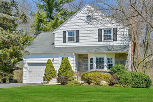 20 West End Avenue, Summit, NJ: $759,000
