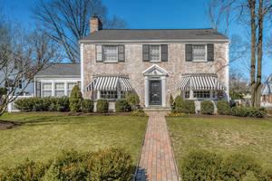 25 Plymouth Rd, Summit NJ: $1,450,000