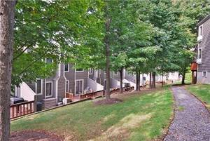 Glen Pond Townhouses in Woodland Park, New Jersey