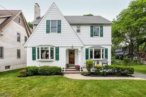 3 Watchung Pl, Summit NJ: $825,000