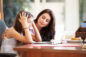 Carousel_image_e70066bed319d8e7c42f_teens_social-anxiety_-_mom_helps_teen_daughter