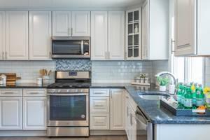 kitchen 1098.jpeg