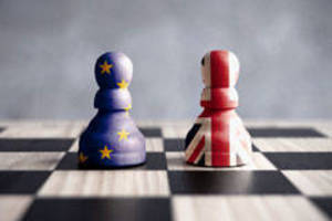 Carousel_image_eb71b097699e25f8e296_brexit_chess240