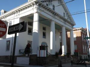 Carousel image eb8953aa2f807a3407e3 historic courthouse
