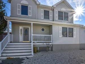 $514,990 51 Clarence Drive Beach Haven West