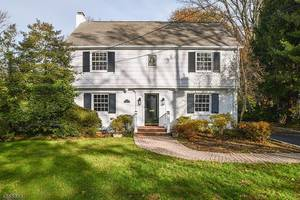 39 Blackburn Pl, Summit NJ: $1,350,000