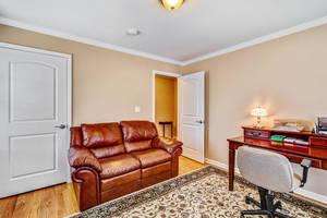 10 Harvey Court Clark NJ 07066-large-017-20-Family Room-1499x1000-72dpi.jpg