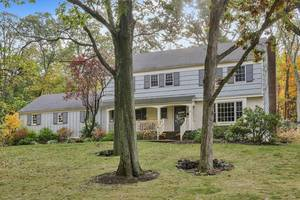 30 Joanna Way, Summit, NJ: $1,250,000