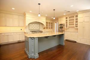 66_FernwoodDr_kitchen-4_web.jpg