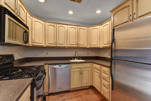 Updated Kitchen, stainless steel appliances!