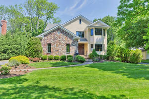 60 West End Avenue, Summit, NJ: $1,395,000