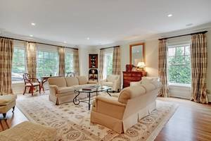 005-288202-EDIT living room_6908615.jpg