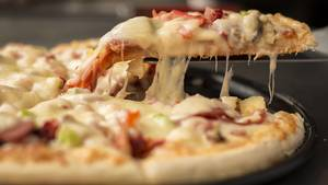 Carousel_image_f9df80a230f129bf2434_pizza-1317699