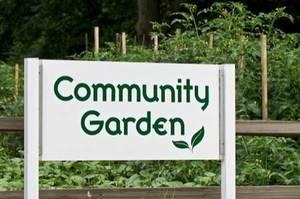 Carousel_image_fa93c48a54c60e936b3c_community_garden_sign2