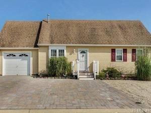 $449,900 39 Henry Drive Stafford Township.jpg