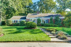 38 Richard Drive, Short Hills NJ:  $1,298,000