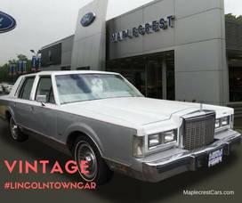 Carousel_image_fcdd9de7e5de36651044_vintage_lincoln_town_car_wow_post_9_7_16