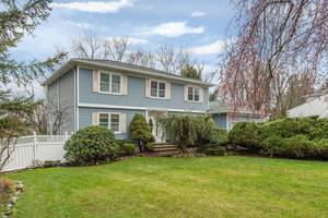 Meticulously Maintained in Montville