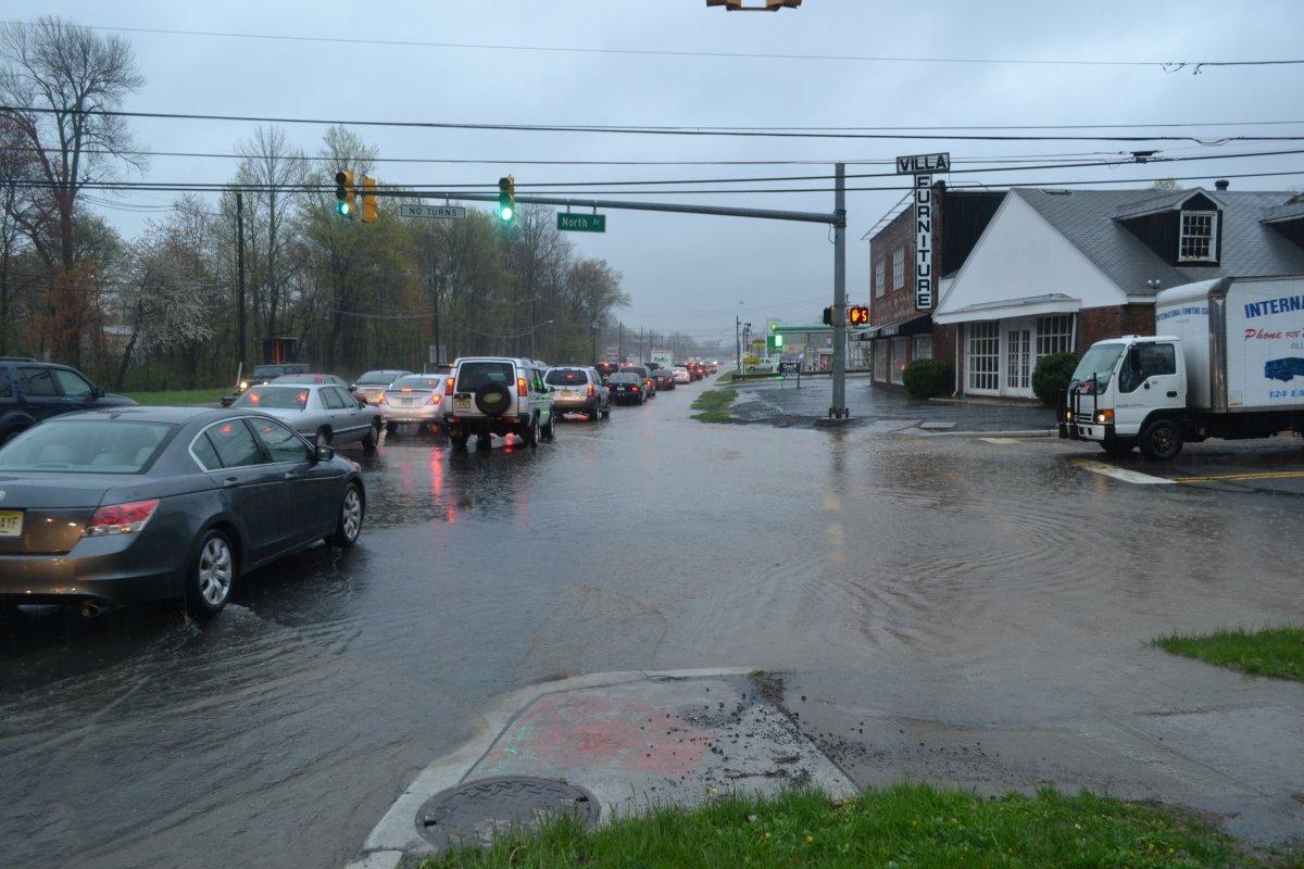 6bdb6d94dc3925e9823e_north_drive_flooding.JPG