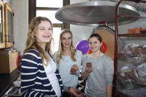 During the 2013 Fall Grant Cycle, MEF approved a grant that replaced a 30-year old kiln at the Madison Junior School with a new model that will be enjoyed by all students in 6th, 7th and 8th grade.