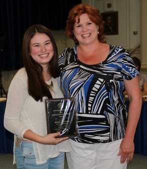 Isabella Cuan Presented with Distinguished Student Award by Mayor Molly Whilesmith