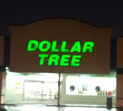 Dollar Tree Robbed by Men Wielding Knives, photo 1