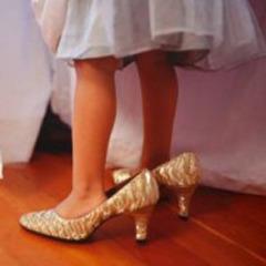 6acaafce90ec7fcec924_girl-heels.jpg