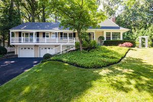 26 Joanna Way, Summit NJ: $1,285,000