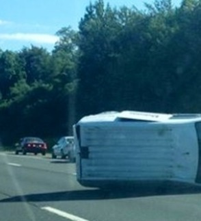 Car Crash Closes Lanes on  Garden State Parkway South, photo 1