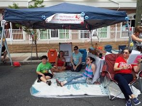 """Business Blizzard Hits Downtown for """"Christmas in July"""", photo 21"""