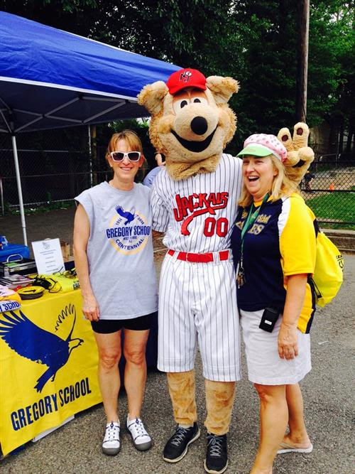 9b79e363d6c33f568850_Gregory_PE_teacher_Lisa_Asman__Jack_the_Mascot__and_Principal_Michelle_Thompson..jpg
