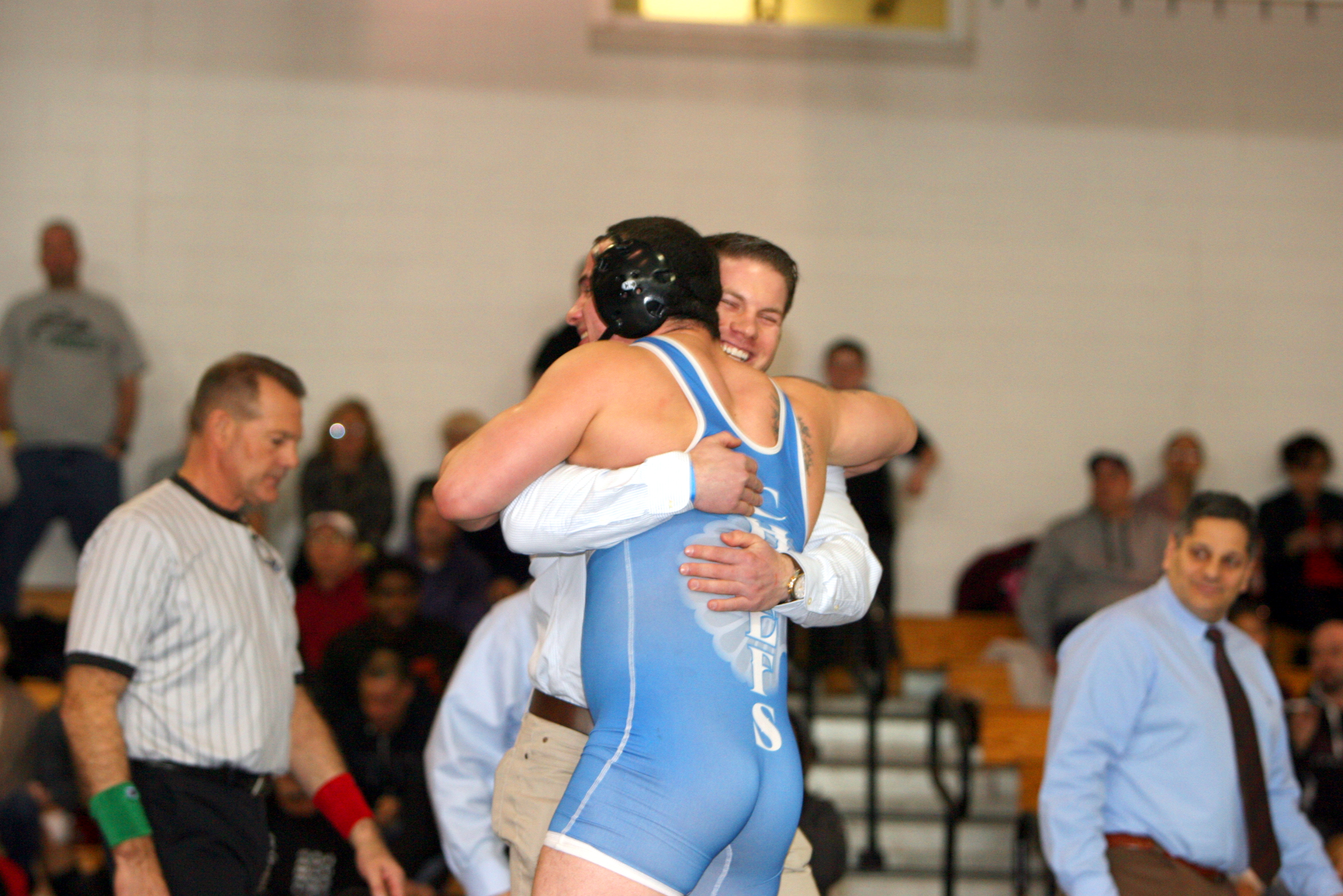 How do you find high school wrestling records?