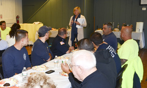 Mayor Mahr speaks about dedication of staff and volunteers
