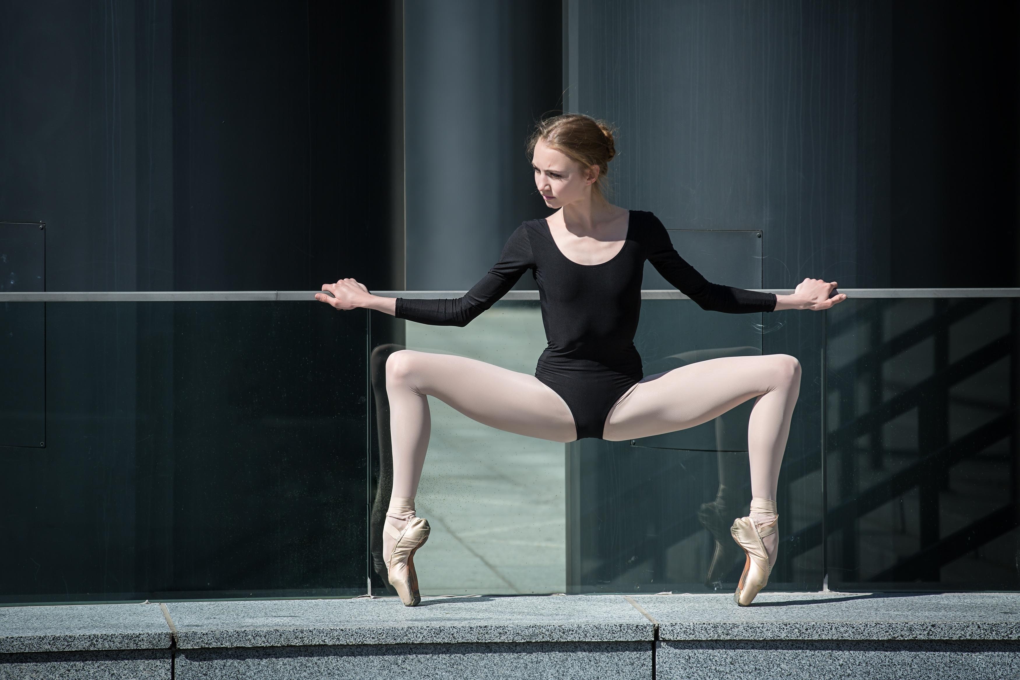 a729d576cffcfa4ec8cc_Dance_Ballet_2.jpg