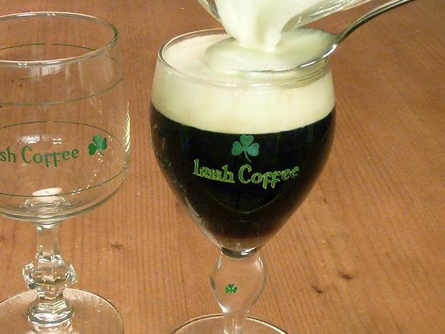 834b3fdbd4825867dfaf_63892c9f42d144cdb1bb_MI_Irish_Coffee_glass_wiki.jpg