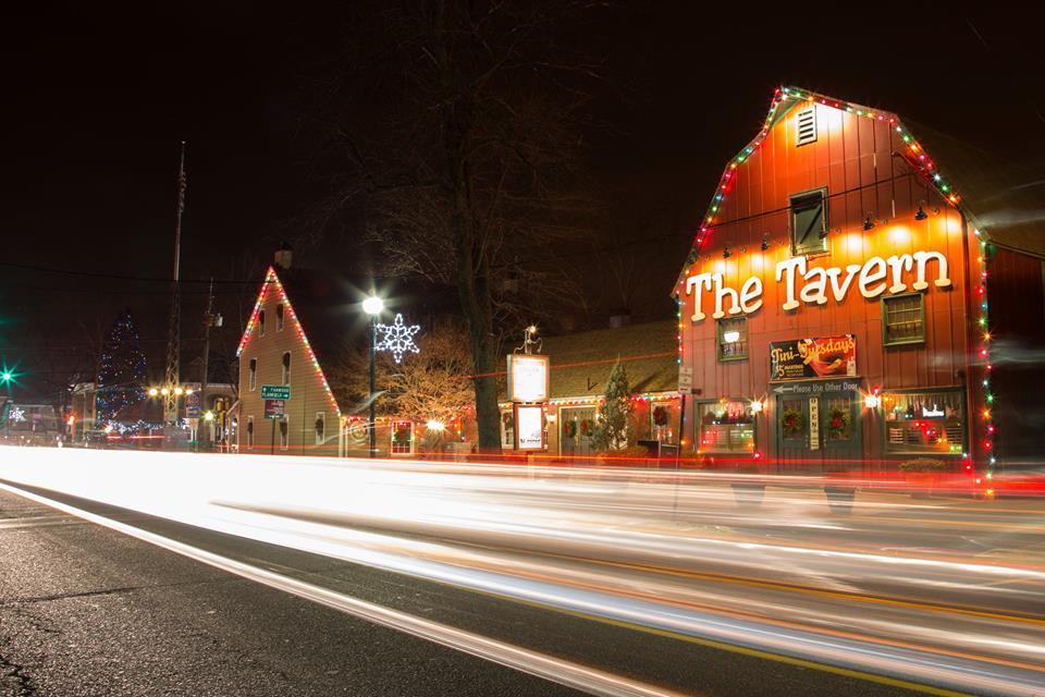 6802f25a058636825598_The_Tavern_Scotch_Plains_-_Xmas_lights.jpg