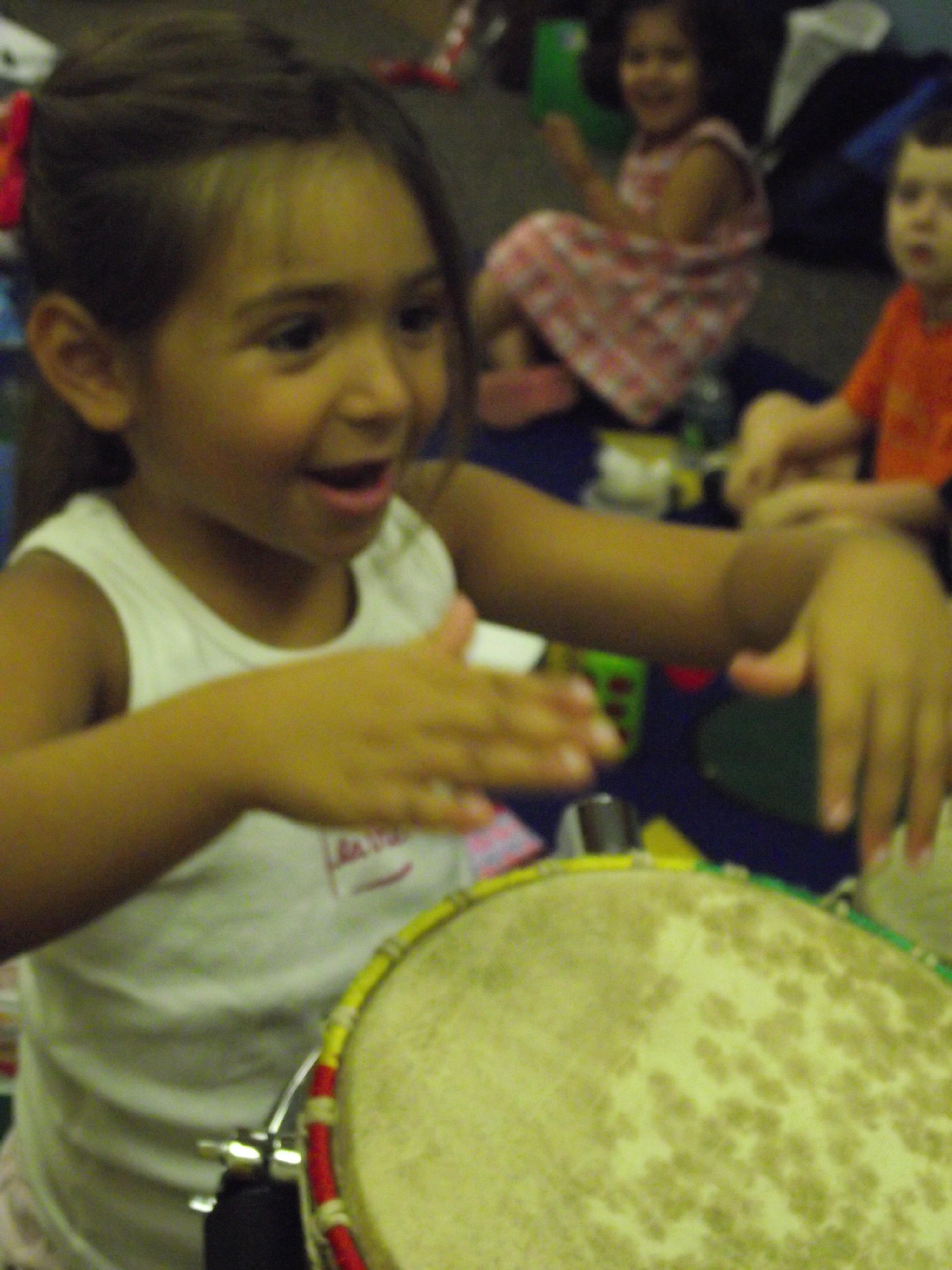 77d96f80ecc688848137_Girl_Drumming.JPG