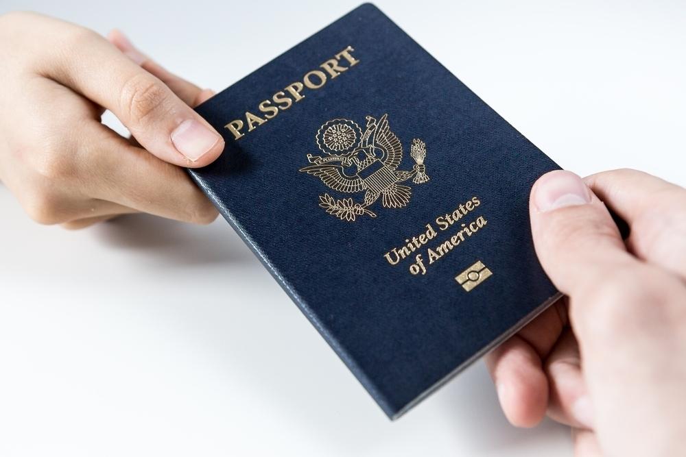 851fc971aab5b0ae02c1_951a3de6d20d063fe89f_passport_large.jpg