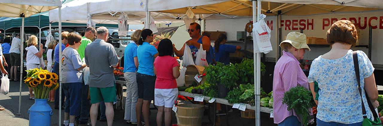 f71d5e810cd971b4c23d_Farmers_Market_photo.jpg