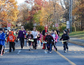 Deerfield Elementary School Holds Turkey Trot Photo
