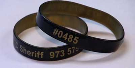 Top_story_64c6821c38b5a8650265_senior_wristband