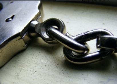 a52c3f19718253959b78_Handcuffs2.jpg