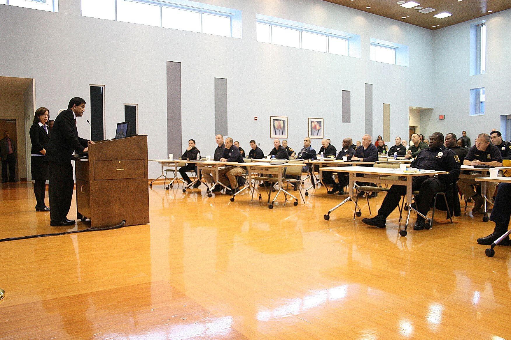 ee3607552ca268c29f6f_Essex_County_Prosecutor_Carolyn_Murray_at_Narcan_training.jpg