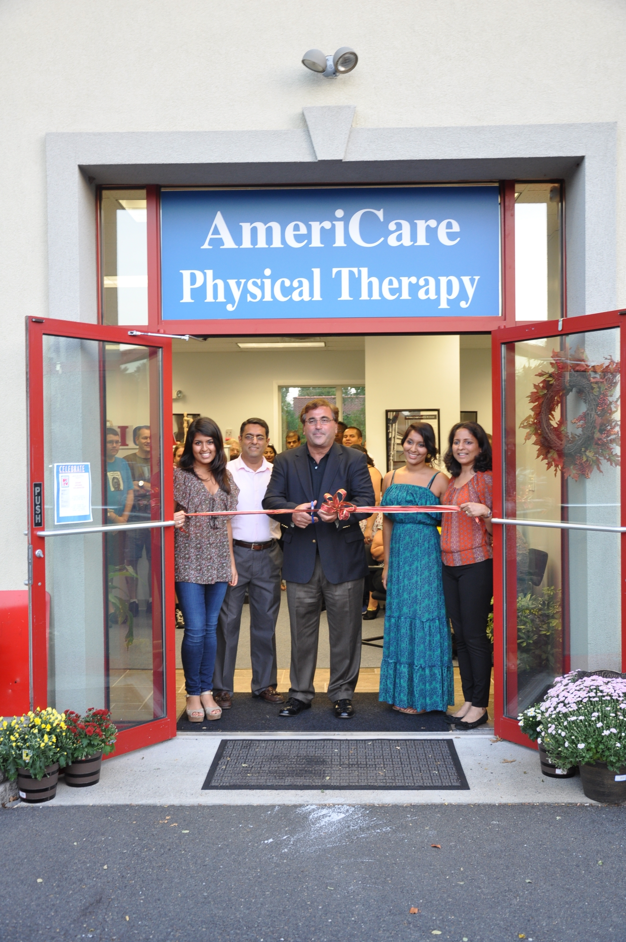 a828bbfb76192a3c0ff0_AmeriCare_Physical_Therapy_Ribbon_Cutting.jpg