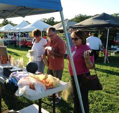 Farmers' Market in Warren